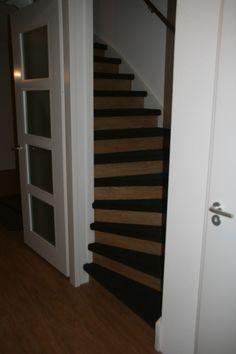 Traptreden met tapijt en stootborden met PVC