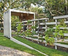Pallet planter/fence