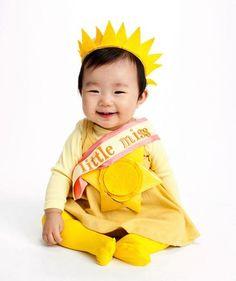 16 Easy DIY Halloween Costumes: Little miss sunshine #halloween #costume