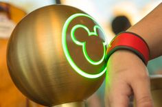 Magic Bands to replace ticket/room key card.