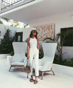 Comfy All white summer look!💛 ------ Adoro um look branco total… Summer Vacation Outfits, Spring Outfits, Beach Outfit 2018, Vacation Fashion, Beach Outfits, Look Camila Coelho, Fashion Mode, Fashion Outfits, Womens Fashion
