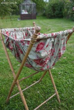 IDEA DE COSTURERO ANTIGUO Ancienne travailleuse , couture mercerie .Brocante de charme atelier cosy.fr