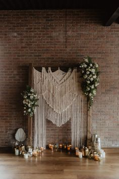 There is beauty in simplicity and the concept of a minimalism is hitting the wedding scene. You may think you need elaborate centerpieces or layers of linens, but a less is more approach can be just as stunning! See more rustic wedding inspiration at rusticweddingchic.com 📸: @nicolenerostudio Wedding Scene, Boho Wedding, Wedding Trends, Wedding Styles, Wedding Ideas, Boho Backdrop, Minimalist Wedding Decor, Rustic Wedding Inspiration, Wedding Venue Decorations