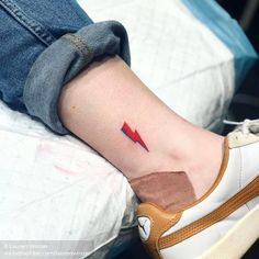 Small Tattoos sells temporary tattoos designed by professional artists and designers. Our temporary tattoos are safe and non-toxic. Tattoos 3d, Dainty Tattoos, Music Tattoos, Body Art Tattoos, Small Tattoos, Tatoos, Rock Tattoo, Fan Tattoo, Rock And Roll Tattoo