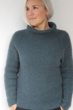 Arctic pattern by Susie Haumann : The pattern is available in both Danish and English. Jumper Knitting Pattern, Cardigan Pattern, Knitting Patterns Free, Knit Patterns, Diy Pullover, Angora, Knitting For Beginners, Winter Sweaters, Cardigans For Women