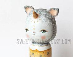 Gato unicornio sirena kokeshi OOAK alterado muñeca de madera