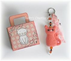 crochet pattern for cat key chains | Free crochet pattern for cute little cat. There is a translation ...