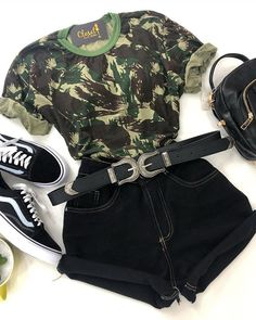 Discover recipes, home ideas, style inspiration and other ideas to try. Teenage Outfits, Teen Fashion Outfits, Outfits For Teens, Girl Outfits, Fashion Fashion, Tumblr Outfits, Swag Outfits, Grunge Outfits, Cute Summer Outfits