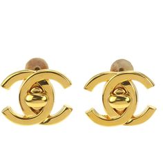 Pre-owned Chanel 95A Vintage Gold CC Turn Lock Clip On Earrings ($495) ❤ liked on Polyvore featuring jewelry, earrings, gold statement earrings, chanel earrings, clip earrings, gold jewelry and gold jewellery