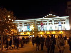 Madrid. Plaza de Santa Ana.<> Pulse en la fotografía para ver alojamientos en Madrid.