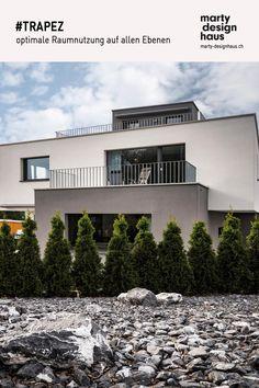 #TRAPEZ ist ein Raumwunder. Es nutzt die Grundform des #Geländes optimal aus. Style At Home, Inspiration, Mansions, House Styles, Design, Home Decor, Detached House, Ground Floor, Biblical Inspiration