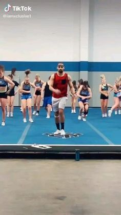 Cheerleading Videos, Cheerleading Workouts, Cheer Workouts, Gymnastics Videos, Acrobatic Gymnastics, Cheer Stunts, Cheer Dance, Flips Gymnastics, Volleyball Pictures