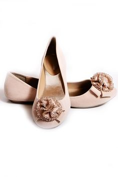 329b32e7cbb1c9 I have an obsession with flats. Nude Flats