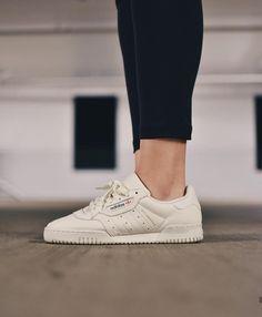 adidas Originals Iniki in grey whitegrau weiß Foto