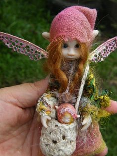 6 inch fairy fairie with babee fairy ooak posable Baby Fairy, Love Fairy, My Fairy Garden, Fairy Art, Weird Creatures, Magical Creatures, Kobold, Elves And Fairies, Fairy Pictures
