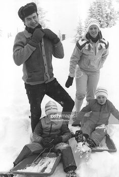 royalhats: Prince Henrik, Queen Margrethe, Prince Joachim and Crown Prince Frederik skiing in Norway, February 6, 1977