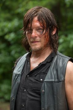'The Walking Dead' Season 6: Episode 9 Images Released, Daryl Dixon Could Be In Trouble