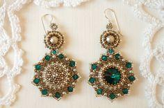 Orecchini di perle intrecciata Smeraldo. di RitaLovelyBeads