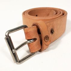 theLOWDOWNondenim 'RIVET' Leather Belt Natural : SUNSETSTAR Edwin Jeans, Universal Works, Red Wing Shoes, Japanese Denim, Workout Accessories, Vintage Inspired Dresses, Leather Belts, Austria, Natural
