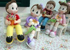 Niños en banca.Piezas en pasta flexible, porcelana fría, pasta francesa http://lulumendoza.blogspot.mx/