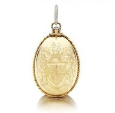 Wallis Simpson Duchess of Windsor Sothebys 2010 - Gold and diamond mirrored powder puff case.JPG