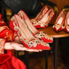 Red Wedding Shoes, Gold Lace, Vans Sneakers, Red Shoes, Womens Flats, Period, Asia, Take That, Chinese