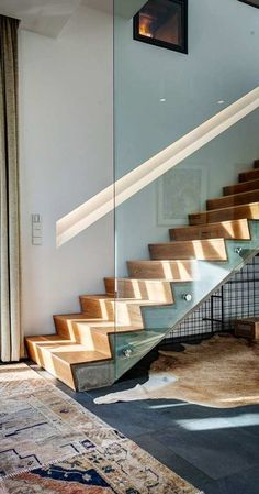 House Plans in Modern Architecture. Staircase Glass Design, Railing Design, Interior Stair Railing, Staircase Railings, Modern Stairs, House Stairs, Modern House Plans, Stairways, Modern Architecture