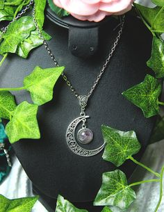 collier lune avec améthyste ///  moon necklace with amethyst