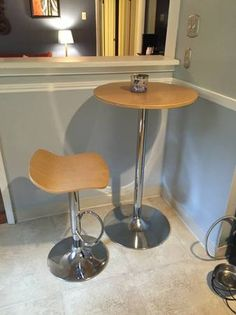 $25 bar stool and table - 6/15/16