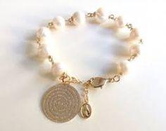 Resultado de imagen para pulseras perlas ,jade cadena dije de corazon jade