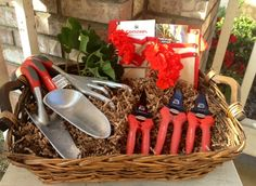 It's Easter weekend and Spring is in full bloom here in Corona. This week's giveaway is just in time for Spring planting and pruning in every garden. It comes with a set of 3 eSolutions hand tools, ComfortGEL® hand pruners, snips and shears with Corona tool pouch, and our Principles of Planting & Pruning guides.