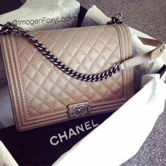 Chic nude Chanel Boy handbag. #chanel