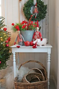 Christmas Decor Ideas to inspire yourself . Swedish Christmas, Christmas Kitchen, Noel Christmas, Scandinavian Christmas, Country Christmas, All Things Christmas, Winter Christmas, Vintage Christmas, Christmas Crafts