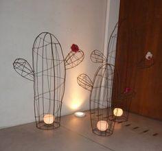 cáctus en alambre de hierro, alturas (0,80m, 1m, 1,20m; también mas chicos) Cactus Craft, Cactus Decor, Wire Crafts, Diy And Crafts, Cactus Candles, Stylo 3d, Copper Wire Art, Decoration Christmas, Diy Upcycling