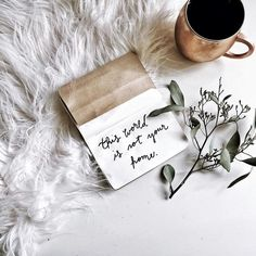 Flat Lay photography flat lay flatlay in Photo Pour Instagram, Instagram Words, Instagram White, Flat Lay Photography Instagram, Instagram Quotes, Fall Inspiration, Flat Lay Inspiration, Creative Inspiration, Layout Inspiration