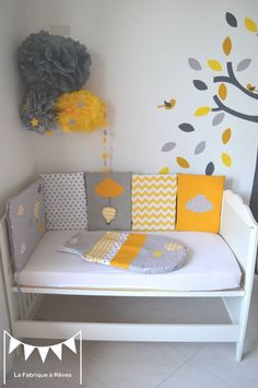 1000 images about deco chambre bebe on pinterest tour de lit bebe and mobiles - Decoration chambre bebe jaune et gris ...