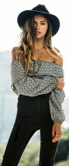 Trendy and stylish spring outfit ideas are already in fashion. Gear up for your spring look with the latest spring clothing and outfit ideas. Check inspiring roundup of dresses, skirts, Boho outfits and tops. Boho Outfits, Casual Outfits, Cute Outfits, Boho Chic Outfits Summer, Bohemian Outfit, Summer Outfits Women 20s, Dress Outfits, Winter Outfits, Fashion Outfits