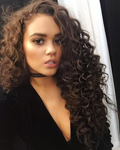 Maddi from Corey in the House Hair Inspo, Hair Inspiration, Pelo Natural, Natural Hair Styles, Long Hair Styles, Let Your Hair Down, Curly Girl, Curled Hairstyles, Brazilian Hair