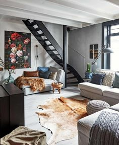 Playful black and grey home in The Netherlands gravityhomeblog.com - instagram - pinterest - bloglovin