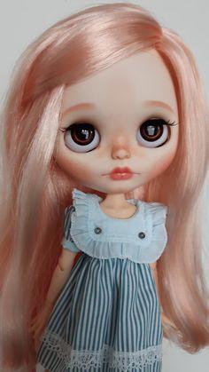 Custom Blythe OOAK art doll 'Alys'