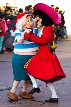 Smee and Captain Hook; this makes me giggle. Disney Cast, Disney Love, Disney Magic, Disney Parks, Walt Disney World, Disney Pixar, Disney Face Characters, Disney Villains, Disneyland Paris