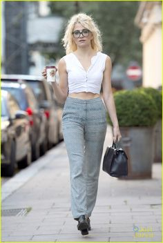 pixie lott crop top glasses coffee 01