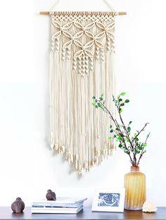 Macrame Wall Hanging Patterns, Yarn Wall Hanging, Large Macrame Wall Hanging, Macrame Art, Macrame Design, Macrame Projects, Free Macrame Patterns, Macrame Wall Hangings, Diy Crochet Wall Hanging