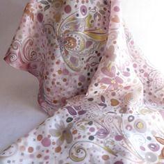 """Foulard écharpe en soie peint main rose """" sous le figuier """""""
