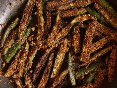 Kurkuri rava bhindi fry crispy okra fry is a stir fried okra recipe where the coated semolina adds crunch and crisp to dish. Vegetarian Curry, Vegetarian Barbecue, Barbecue Recipes, Vegetarian Cooking, Vegetarian Recipes, Italian Cooking, Easy Cooking, Vegan Food, Cooking Tips