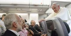 Punti di vista. Papa Francesco prende le distanze da Benedetto XVI sul tema degli omosessuali e non solo. Leggi l'articolo.