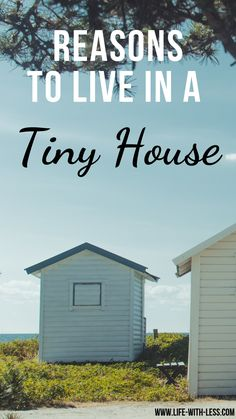 Tiny House inspiration! A run through the idea behind a tiny house and why I think it is a good solution! #downsizing uses #tiny #smallspaces #smallspaceliving #minimalismlifestyle #minimalistic #minimalisthome #minimalism #minimal #tinyhousemovement #tinyhouseonwheels #homedecor #downsizing #lifewithless