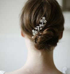 Bridal Hair Accessories We Love: Delicate Swarovski Crystal Hair Comb Bridal Hair Updo, Bridal Headpieces, Chignon Wedding, Bridal Comb, Hair Wedding, Updo With Headband, Double Headband, Headbands, Hair And Beauty