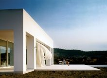 The Inspirational Designs of Greek Architect Nicos Valsamakis