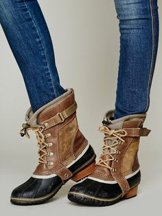 Sorel Conquest Carly Short Boot in Brown (Autumn Bronze) - Love